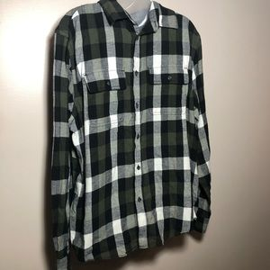 L OLD NAVY Regular Fit Plaid Twill Button Up Shirt